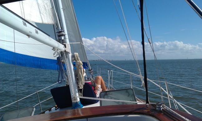 Sailin' & Hangin'